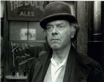 Freddie Jones, ELEPHANT MAN 10 x 8 genuine signed autograph 11105